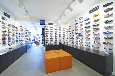 c75169cf5a8 Stores